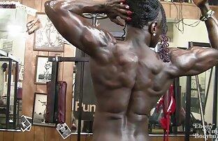 रौक्सैन एडवर्ड्स-वह नग्न, फटे और मजबूत है सेक्सी पिक्चर इंग्लिश सेक्सी