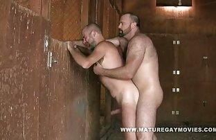 मांसपेशी आदमी है जो शिविर में एक भालू गड़बड़ कर दिया । हिंदी सेक्सी वीडियो फुल मूवी