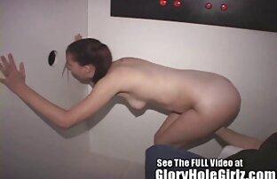 गरम किशोर एक प्रोटीन के लिए एक गर्म अजनबी वार वीडियो पिक्चर सेक्सी