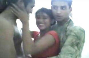 पाकिस्तानी लड़की बेशर्म दो दोस्तों के साथ मज़ा आ रहा सेक्सी फिल्म साड़ी वाला