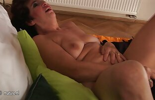 परिपक्व माँ आप सब कुछ और अधिक दिखाने सेक्सी फिल्म वीडियो देखने के लिए
