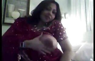 भारतीय उसके बड़े स्तन शो से पता चलता है सेक्सी फिल्मी