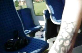एक पागल ट्रेन में हाथापाई